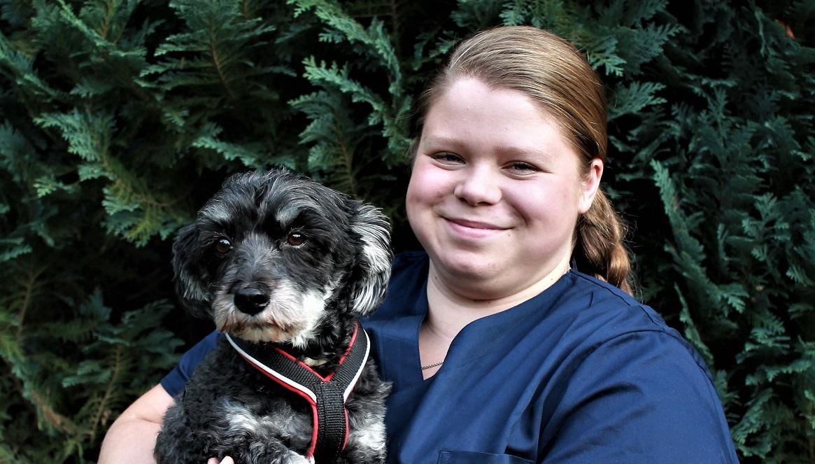 Charlene Blaurock Azubi TMFA Tierarztpraxis an der Ill Tierarzt Illingen Saarland 2